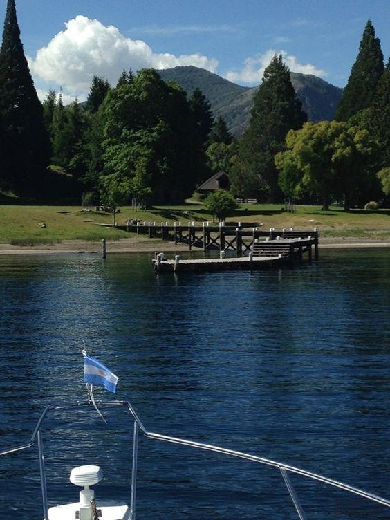 Muelle sobre el lago Nahuel Huapi