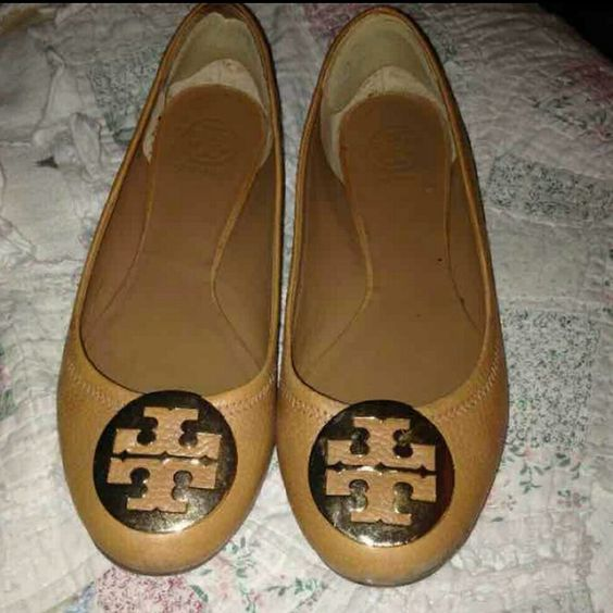 Tory Burch tan leather flats Tory Burch tan leather flats. Very good used condition! Very miny signs of wear as pictured. Offers welcome Tory Burch Shoes Flats & Loafers