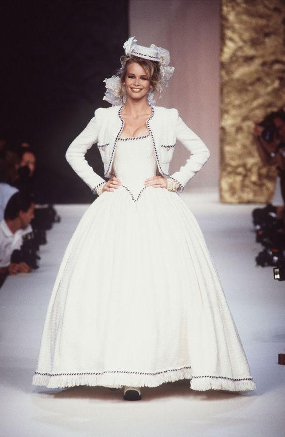 Claudia Schiffer for Chanel Haute Couture F/W 1991-1992
