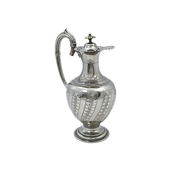 Pre-Owned English Silver-Plate Victorian Wine Jug (€220) ❤ liked on Polyvore featuring home, kitchen & dining, serveware, silver, silver plate pitcher, wine carafe, silver plated pitcher, claret jug and wine jug