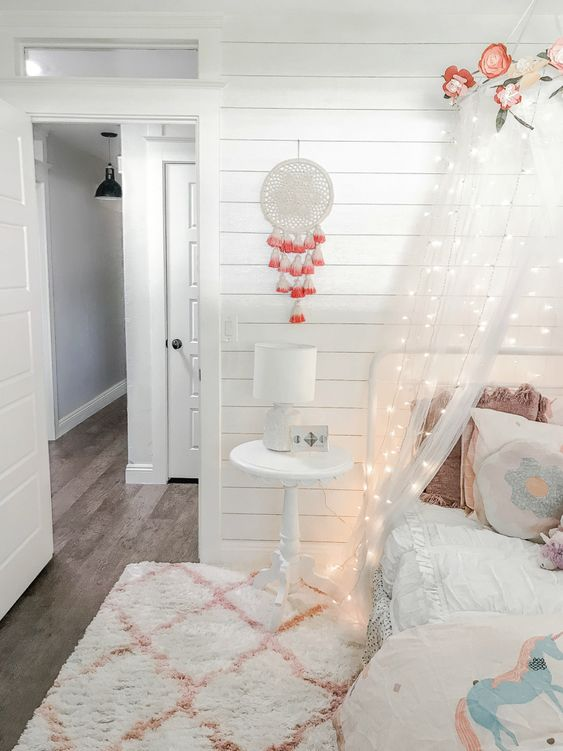 Love this cute and easy-to-recreate farmhouse girls bedroom. That is WALLPAPER shiplap, wow! Stunning!!!