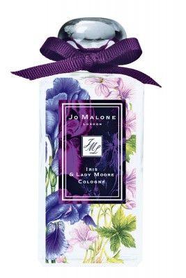 Parfums, Cremes und Puder im Flower-Look: Der Frühling lässt grüßen und schickt uns schon einmal ein paar blumige Vorboten.