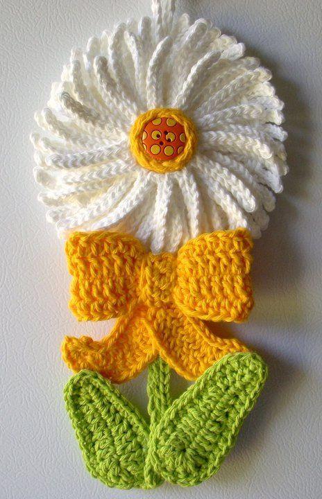 Crochet Daisy flower, by Jerre Lollman    ~~....<3