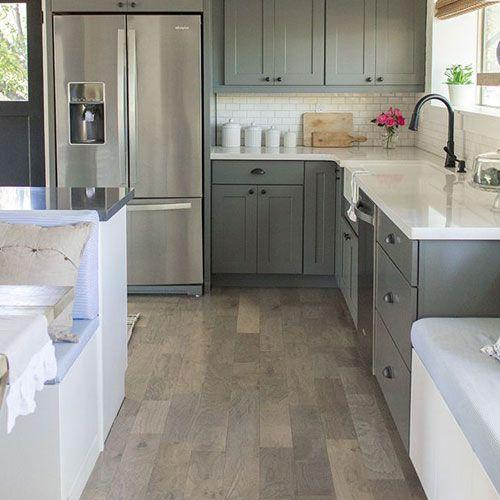 Suelo de cocina gris para una decoraci n m s actual y - Suelo de linoleo ...