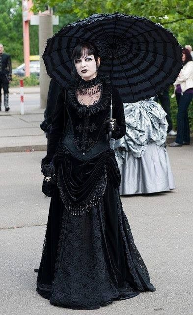 Beautifully Goth in mourning gown and parasol