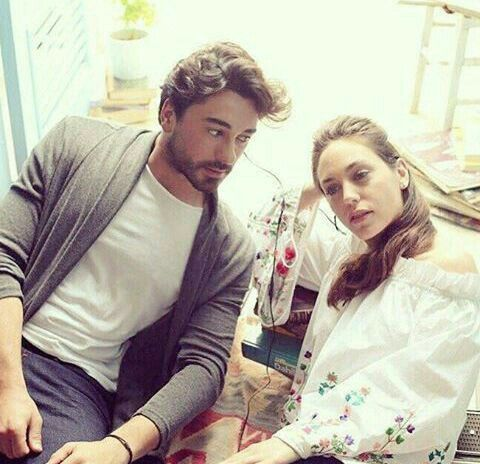 Pin By Oyku Gokhan On Aley Turkish Film Turkish Actors Actors