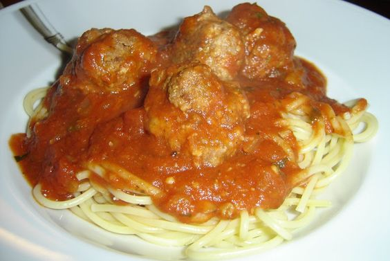 Healthy spaghetti and meatballls
