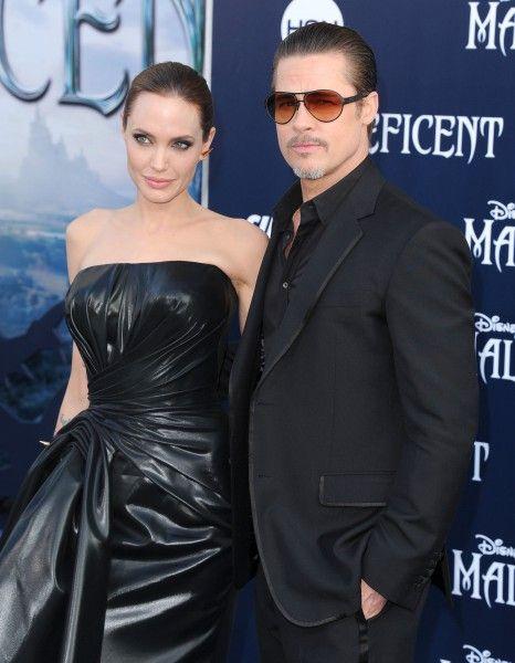La cérémonie a déjà eu lieu. Dans le plus grand secret, Brad Pitt et Angelina Jolie se seraient mariés samedi dernier.  http://www.elle.fr/People/La-vie-des-people/News/C-est-officiel-Angelina-Jolie-et-Brad-Pitt-se-sont-maries-en-France-2755814