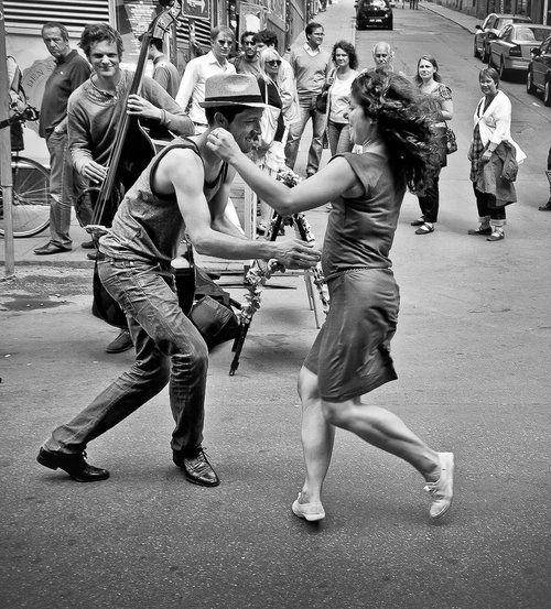 Einfach tanzen!...       Salsa tanzen? - lass dich führen! Dancepartner.ch! Zürich, Bern, Basel, Luzern, Zug, St. Gallen, Chur, Lausanne, Biel, Genf, Lugano und tanzen Sie schweizweit Los! Hier findest du alle Tanzstile wie Tango, Salsa, Bachata, Zouk, Latin, Standard, West Coast Swing, Lindy Hop und noch viele mehr... starte dein persönliches Tanzerlebnis - jetzt kostenlos anmelden!