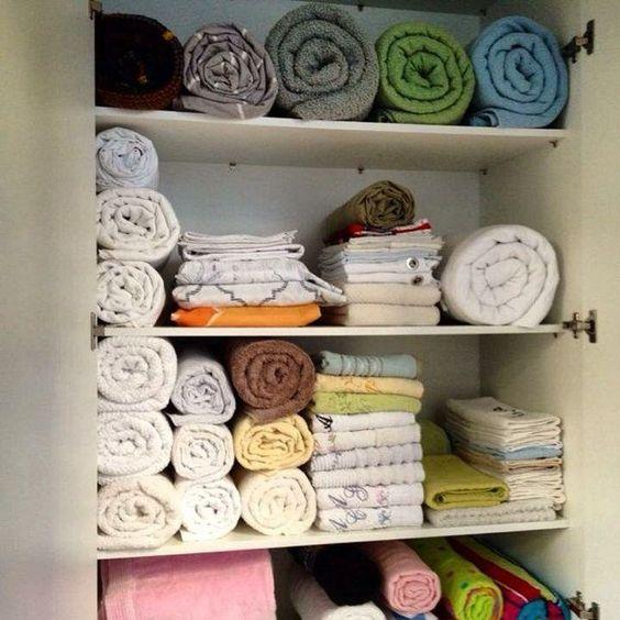 15 dicas de como organizar o guarda-roupa feito um profissional