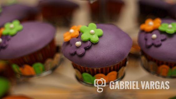 Deliciosos cupcakes hechos para una boda civil por Grishka Guzman www.algarabiaculinaria.com