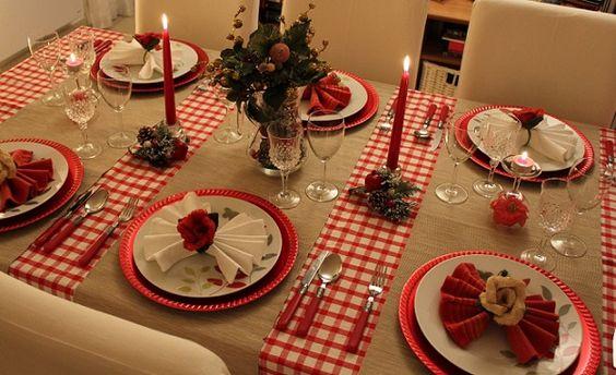 Mesa aconchegante de natal: xadrez vermelho com chita