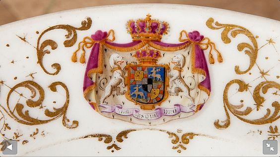 Porzellanteller aus dem Hause Hohenzollern-Sigmaringen um 1820