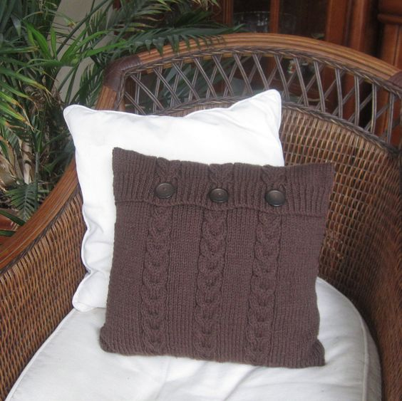 Love these chunky cable knit throw pillows!