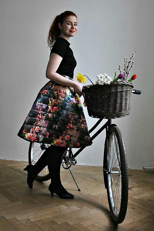 By Re:Paráda, sukňa z presivaneho materiálu na bundy
