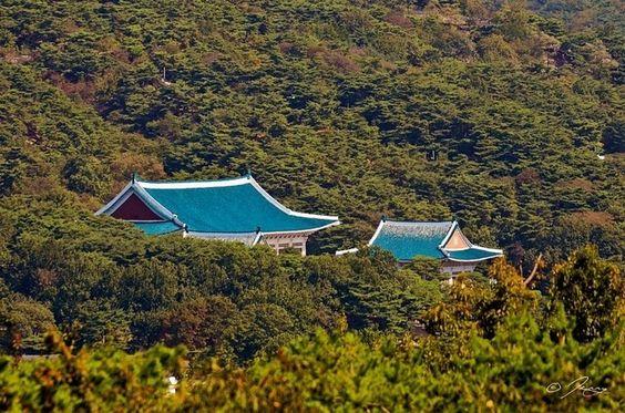 Ngọn núi Inwangsan bí ẩn