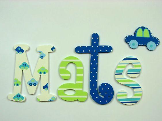 Pintadas con letras de madera colorido; nombre de los niños; nombre de bebé; Letras de pared, Letras de madera; decoración de la habitación de los niños; coches, lunares, rayas