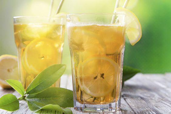 Die leckere Erfrischung für jeden schönen Sommertag. Lass dich von ihrem fruchtig-minzigen Geschmack überraschen! #Cocktails #juicy #mint #refreshing #alkoholfrei