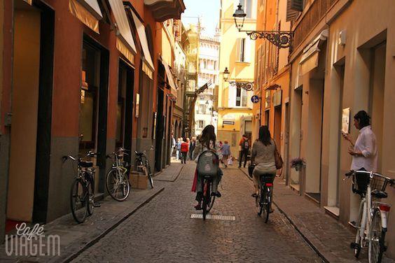 """3. CAMINHADA PELOS ARREDORES DA PIAZZA GARIBALDI - """"Roteiro 1 dia em Parma na Itália"""" by @Alexandra Aranovich"""