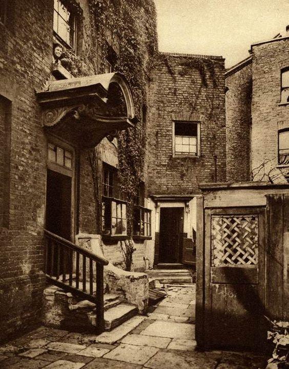 Bridge House, George Row, Bermondsey, from 'Wonderful London' produced in the 1920's by The Fleetway House. (via spitalfieldslife.com)