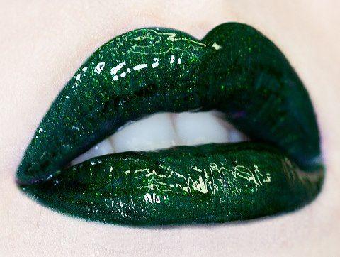 Serpentina. Lime Crime lipstick.