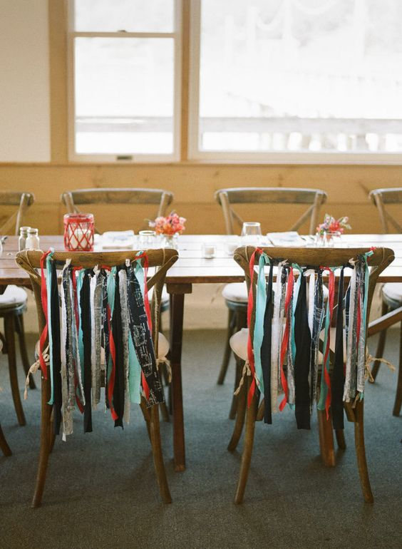 Intimate Lighthouse Wedding on the Coast of Maine: http://www.stylemepretty.com/2015/10/21/intimate-lighthouse-wedding-on-the-coast-of-maine/ | Photography: Sarah Der - http://sarahderphotography.com/