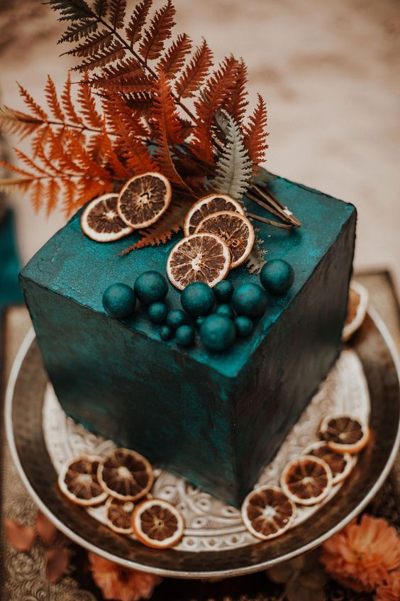 Jewel Tones and Rust Fall Wedding Colors #autumnwedding #color fall wedding ideas, fall bouquet, rust wedding color , jewel tones wedding color #wedding #fallwedding emerald colored wedding cake