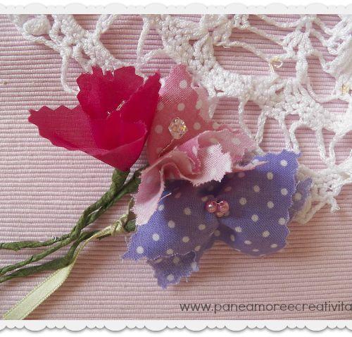 Riciclo: come fare i fiori con i campioni di tessuto