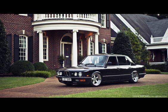 BMW e28 on AC Schnitzer Type II