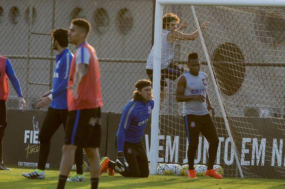 Pato faz dois gols em treino e já tem data para reestrear pelo Corinthians #globoesporte