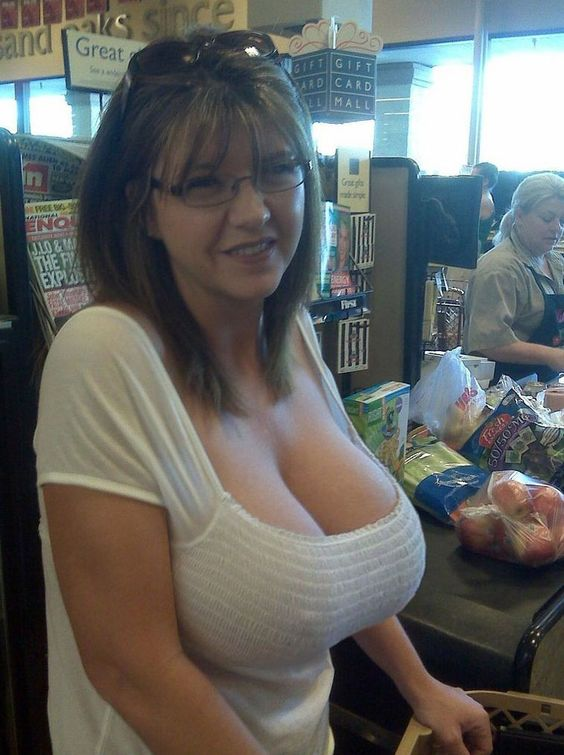Amateur Large Breasts 79