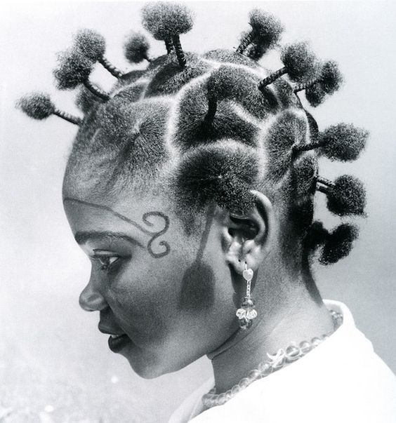 ♥ J.D. Okhai Ojeikere is a Nigerian photographer who is known for his work with unique hairstyles found in Nigeria