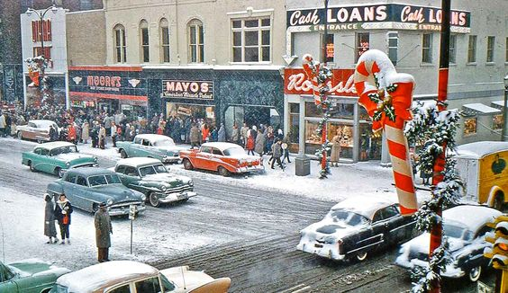 """Today's feature contains a perfect Christmas scene from """"Mainstreet America"""" @ http://theoldmotor.com/?p=161809"""