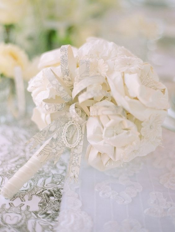 30 Elegant Bridal Bouquets with White Flowers - Sortrature