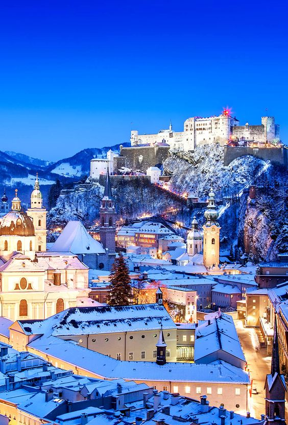 Amazing view of theHistoric city of Salzburg with Festung Hohensalzburg in Winter, Salzburger Land, Austria