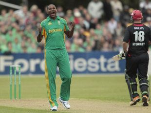 Canterbury v South Africans, T20, Christchurch.  Levi and Tsotsobe star in opening win  February 15, 2012