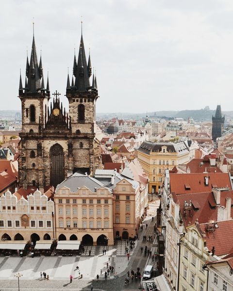Prague Travel Guide: Explore all that Prague has to offer.