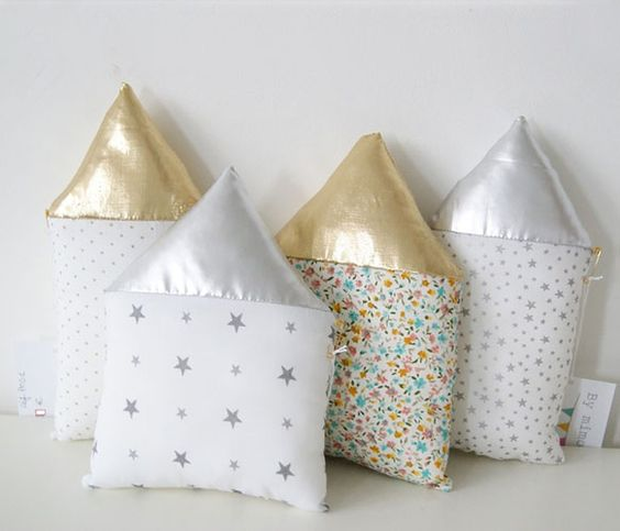 House Pillows by mimosette: Cute House, Pillows Don T, House Pillows, Kids Room, Plushies Pillows, Pillows Toys, Sewed Pillows, Pillows 20, House Cushions
