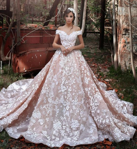 "Sadek Majed Couture on Instagram: ""A Fairy Tale #SadekMajedCouture Photographer @saidmhamadphotography Makeup & Hair @amadeussabra"":"