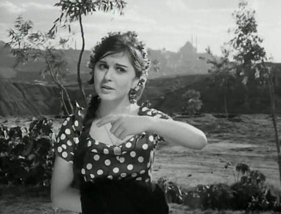 سعاد حسني في السفيرة عزيزة 1961 Egyptian Beauty Egyptian Actress Arab Celebrities