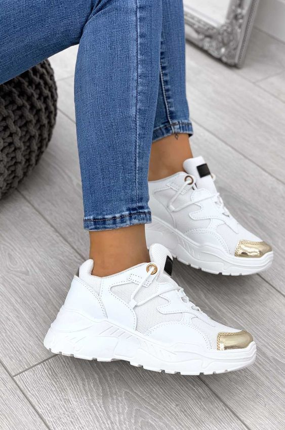 40 Women Sneakers 2019 That Will Make You Look Cool Trending Womens Shoes In 2020 Trending Shoes Trending Womens Shoes Womens Fashion Shoes