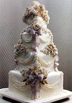 4 tier Victorian dream cake.......gorgeous Orlando wedding flowers