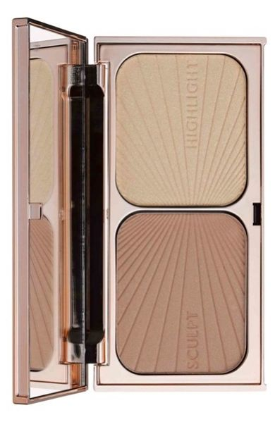 Adding this Charlotte Tilbury sculpt & highlight to the summer makeup routine: the bronzer contours and creates a sun-kissed complexion, while the highlighter captures light and radiates it for a luminous complexion.