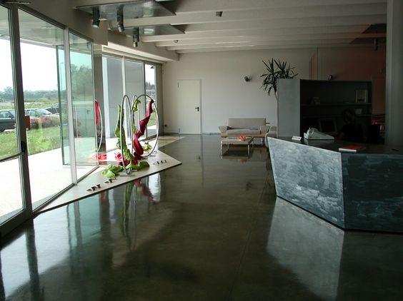 epoxy boden ka 1 4 nstlerischer hotel autoleveling resin floors for stores bodenbelag pinterest flooring and metallic preis