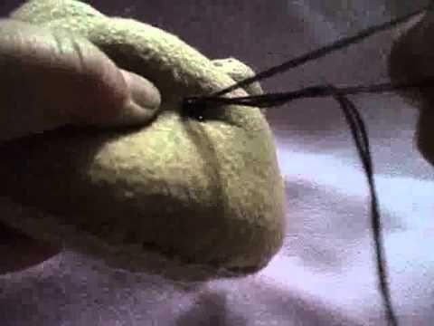 Como Fazer: Colocar olho em boneco de pano - YouTube