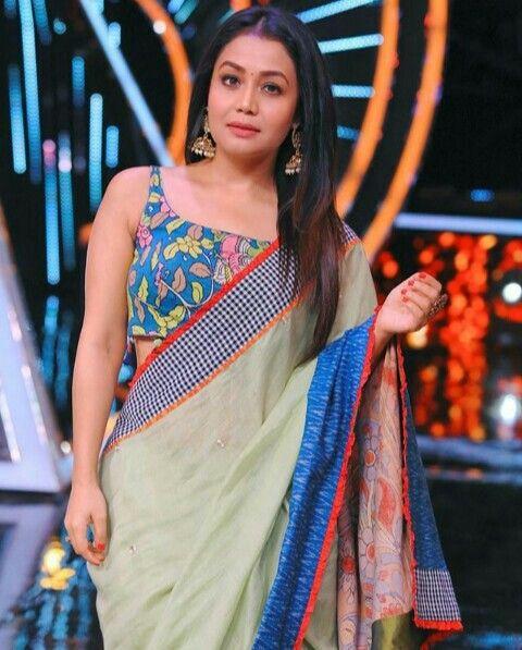 Pin By Prithuvi Kulasiri On Cute Singers Neha Kakkar Celebrity Outfits Indian Celebrities
