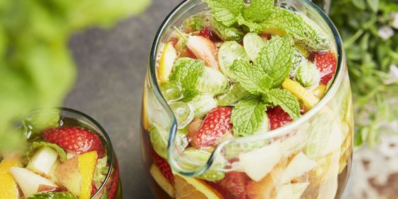 How to make the perfect jug of Pimm's  - countryliving.co.uk