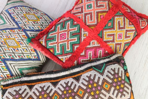 moroccan cushions. cojines bereberes de Marruecos. dar amïna shop