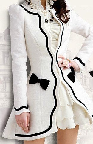 SCALLOP EDGE BOW ACCENT DRESS COAT.: