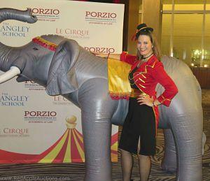 Circus Rimgmaster Auktionator Sherry Truhlar_opt
